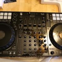 Pro prodej Zbrusu nový DJ Pioneer DJ DDJ-1000 4-kanálový profesionální DJ Controller